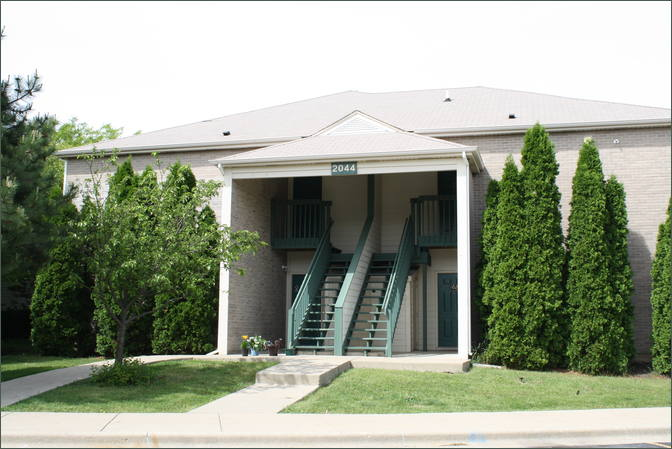 Auroa Il Fox Pointe Apartment Homes Retail Space Inland Investment Real Estate Services Llc