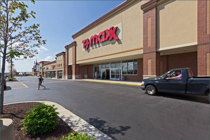 Shoppes at Hawk Ridge