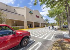 North Hills Square Shopping Center: