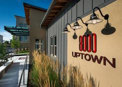 8000 Uptown: