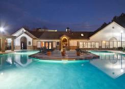 150 Summit Apartment Homes: